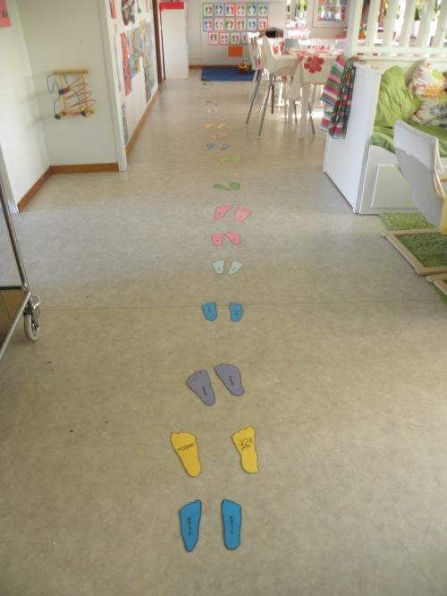 Barnens små söta fotsteg :)