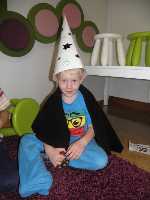 Vi fick också prova på att vara trollkarlar